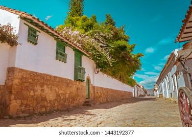 Street of Villa de Leyva and carriage