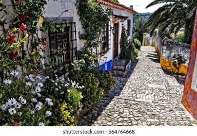 Straßen von Obidos. Portugal. Obidos - berühmtes touristisches Ziel in Portugal für seine ausgezeichnete Architektur und Geschichte.