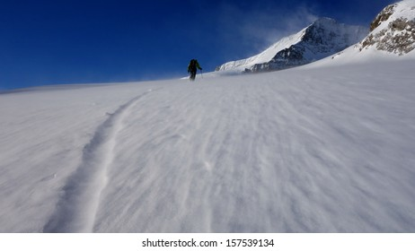 Strenuous Ski touring in strong winds