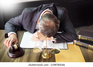 stress lawyer tried from working in office