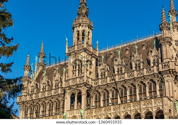 striking-gothic-revival-facade-roof-600w