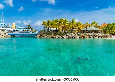 A strip of Beaches      Views around the Caribbean Island of Curacao in the Netherland Antilles