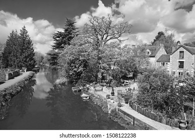 The Stroudwater, Thames and Severn Canal as it flows through the Stroud Valley at Ryford near Stroud, The Cotswolds, Gloucestershire, England, United Kingdom