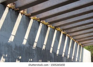 the structure of the bridge girder on the toll road