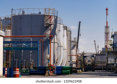 Structure of pipeline of oil chemical plant factory in Kawasaki Japan.