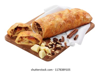 Strudel with apples and raisins