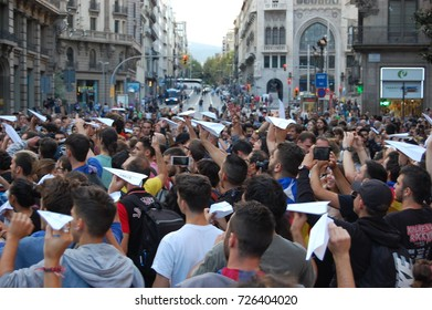 Student and citizens demonstrating in Barcelona after the referendum for Catalonia Indipendence. October 2017