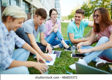 Students consulting