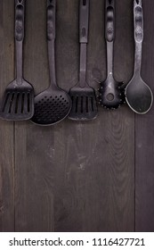 A studio photo of kitchen utensils