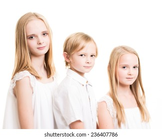 2 Sisters 1 Brother Images, Stock Photos & Vectors