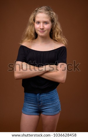 Free pictures of blonde teenagers something is