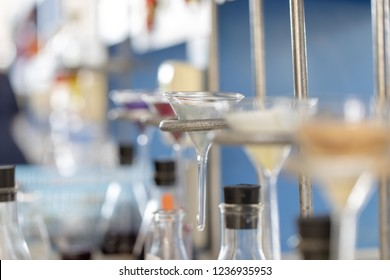 The study Separating by filtration the component substances from liquid mixture in Lab.