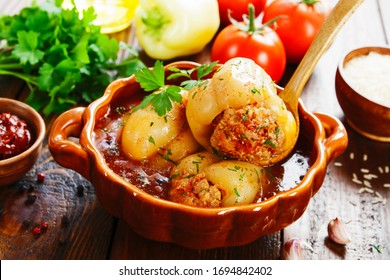 Stuffed paprika with meat in tomato sauce
