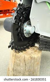 Stump removing machine