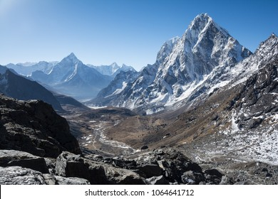 Stunning Himalaya sight with snow covered peaks and a clear blue sky from Cho La pass. Nepal, Asia.