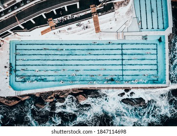 A stunning Photo of the Bondi Icebergs from above