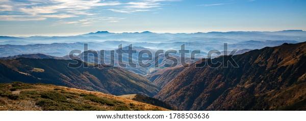 stunning-picturesque-autumn-carpatian-mo