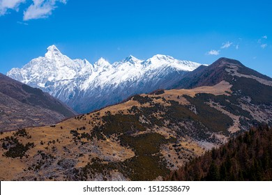 Stunning view of the Siguniang (Four Sisters) Mountain, located in bordering area of Rilong Town, Xiaojin County and Wenchuan County in Ngawa Tibetan and Qiang Autonomous Prefecture, Sichuan, China