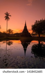 Stupa at the Wat Mahathat Temple at the Historical Park in Sukhothai in the Provinz Sukhothai in Thailand.   Thailand, Sukhothai, November, 2018