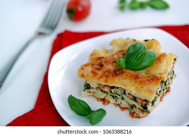 Sturdy lasagna with turkey and spinach