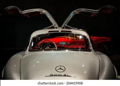 STUTTGART, GERMANY - APRIL 19, 2014: Vintage STUTTGART, GERMANY - APRIL 19, 2014: Vintage 1954 Mercedes-Benz 300SL on display at the Mercedes-Benz Museum.