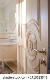 Stylish door handle from the UK