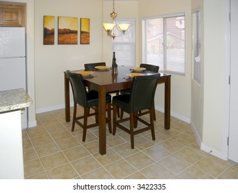Stylish Eat-In Kitchen / Dining Room