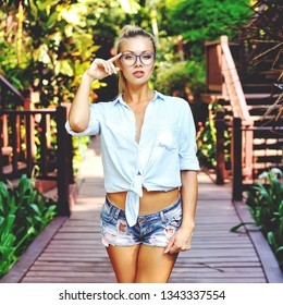 Stylish girl wearing glasses - outdoor