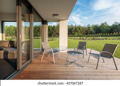 Terrasse Bois Design Extérieur Images, Stock Photos ...