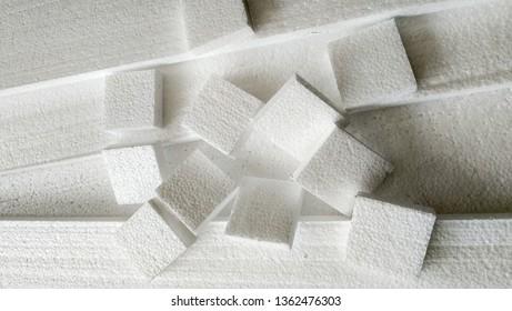 Styrofoam falls apart on Styrofoam