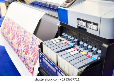Sublimation printer for productive and quality printing of textiles and promotional items
