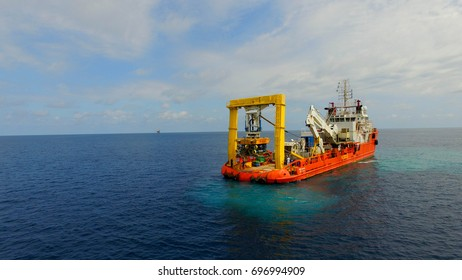 submarine cable inspection ship