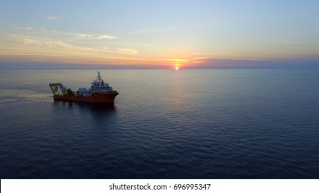 Submarine cable inspection vessel