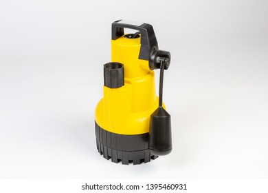 Submersible drainage pump for clear swimming pool water.