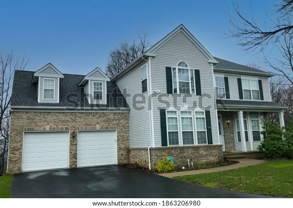 suburban-house-new-jersey-600w-186320698