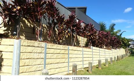 Suburban Retaining Wall, sandstone wall, modern contemporary retaining wall