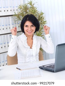 Success / winner business woman