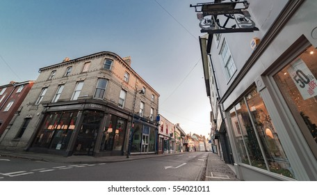 Sudbury, UK. 26th December 2016. The streets of the small market town of Sudbury in Suffolk are quiet on a late Boxing Day afternoon before dusk. East Anglia, UK.