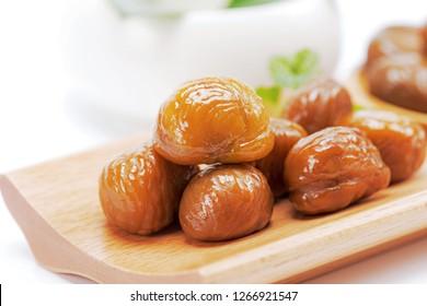 Sugar fried chestnut kernels cooked chestnut kernel