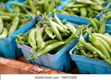 Sugar snap peas on sale at the farmer's market