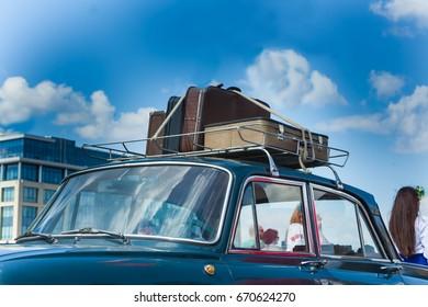 suitcase car roof