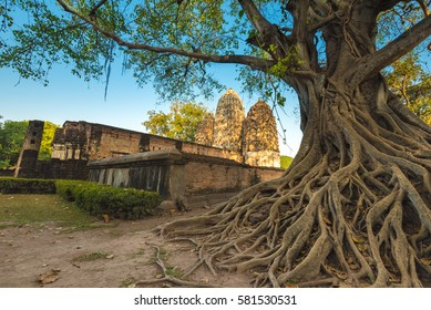 Sukhothai Historical Park covers the ruins of Sukhothai Kingdom in the 13th and 14th centuries, in what is now Northern Thailand. It is located near the modern city of Sukhothai.