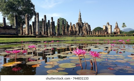 """The Sukhothai Historical Park covers the ruins of Sukhothai, literally """"Dawn of Happiness"""""""