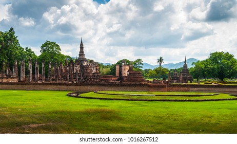 sukhothai historical Park in sukhothai provinces with cloud and blue sky in sukhothai provinces, unesco