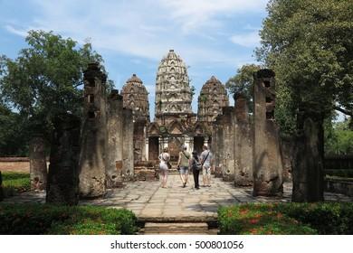 Sukhothai Historical Park, Wat Si Sawai, Sukhothai, Thailand