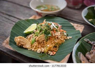Sukhothai noodle, This noodle are recipe from south of northern region Thailand, it have a peanut and dry shrimp with crispy pork skin and lime.