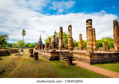 Sukhothai,Thailand - December 10, 2018 : Buddha Statue at Wat Mahathat temple,One of the famous temple in Sukhothai,Temple in Sukhothai Historical Park, Sukhothai ,Thailand. UNESCO world heritage