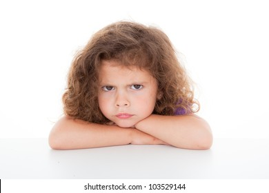 schwültig wütendes junges Mädchen, Sulke und Beuteln,
