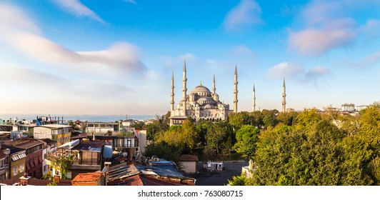 Sultan Ahmed Mosque (Blue mosque) in Istanbul, Turkey in a beautiful summer day