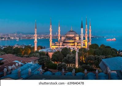 Sultanahmet mosque at night